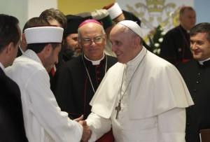 Pope Francis greets Muslim representative in Albania